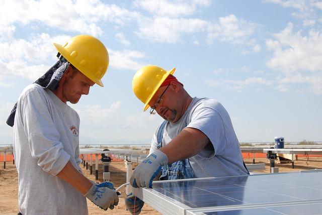 למה אנרגיה סולארית הפכה להיות מחוז חפצם של חברות ההי טק?