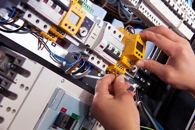 ייצור לוחות חשמל