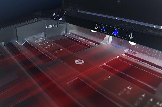 מדפסת מדבקות תעשייתית